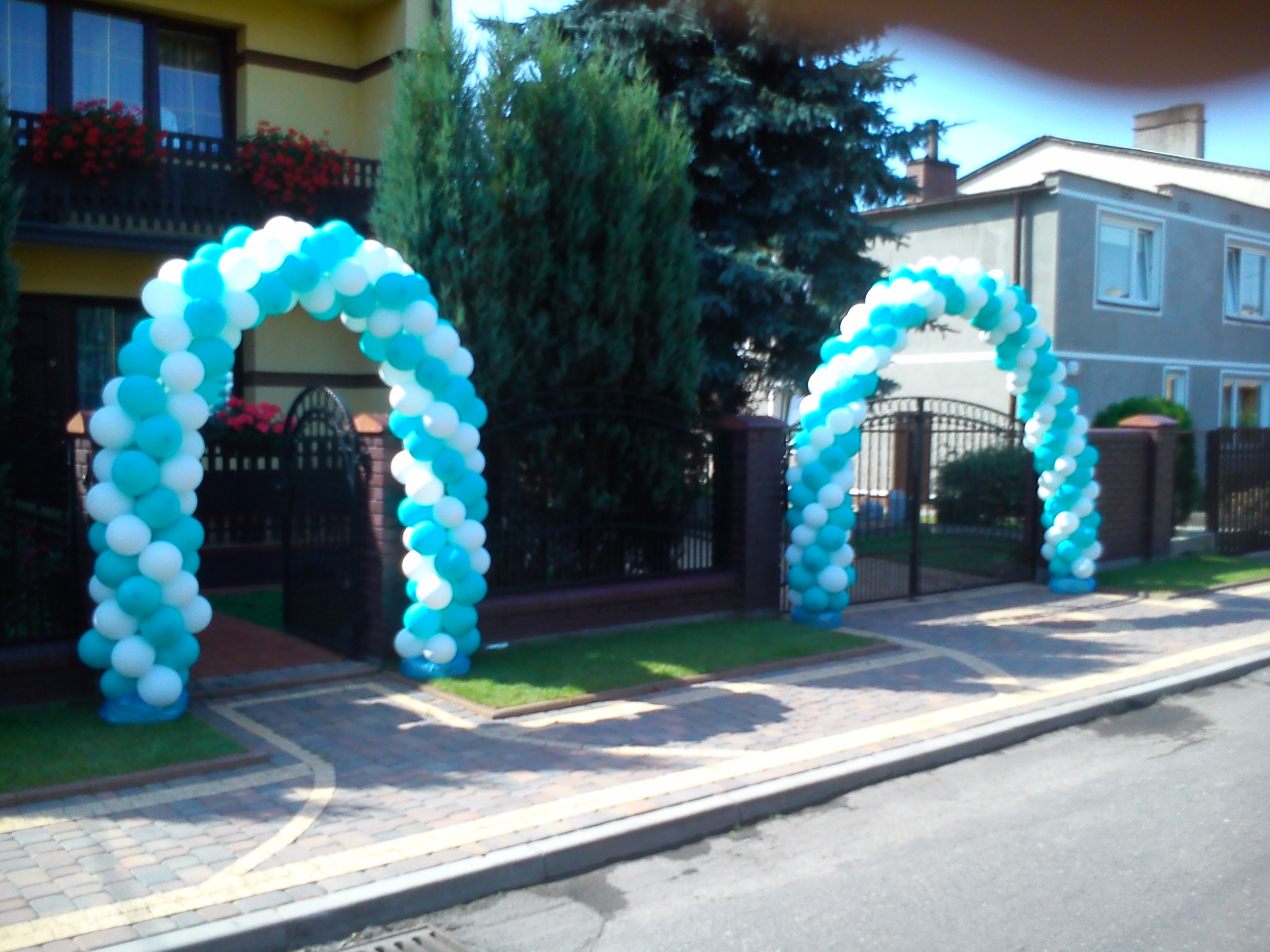 Brama balonowa niebieska
