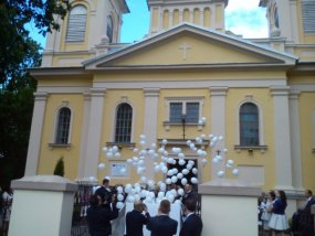 Pudlo balonow z helem na slub